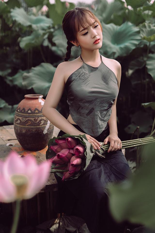 man-nhan-voi-bo-anh-diu-dang-ben-sen-cua-chinh-tay (10)