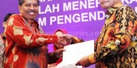 Advertorial  Pemkab Siak  Terima Anugerah Paramesti,  Pemkab Akan Kawal Kawasan Tanpa Rokok