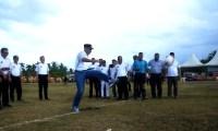 "Danrem 011 Lilawangsa Lakukan ""Kick Off"" Pembukaan Liga Desa 2017"