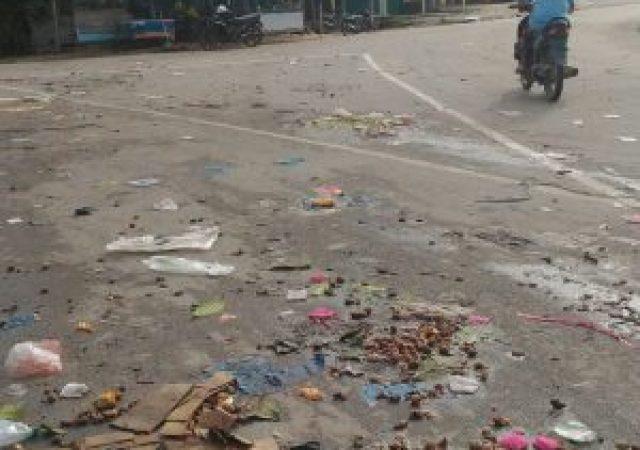 Sampah Berserakan Di Jalan Hang Tuah Simpang Kemuning Muda