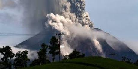 Debu Vulkanik Letusan Gunung Sinabung Tersebar Ke Lhokseumawe, Masyarakat Dihimbau Agar Waspada