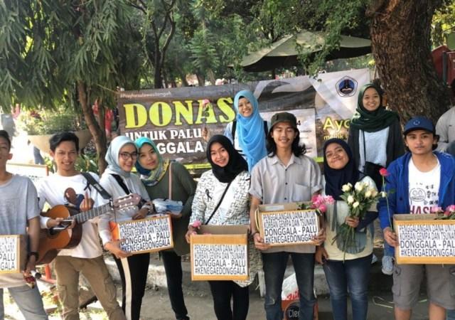 IKA Smanita 2011 Aksi Turun Jalan Untuk Palu dan Donggala