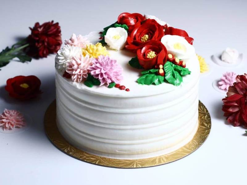Korean buttercream cake, homemade flower cake, premium lapis Surabaya, birthday cake Jakarta, chrysanthemum, camellia flower cake