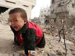 Un enfant palestinien en pleurs