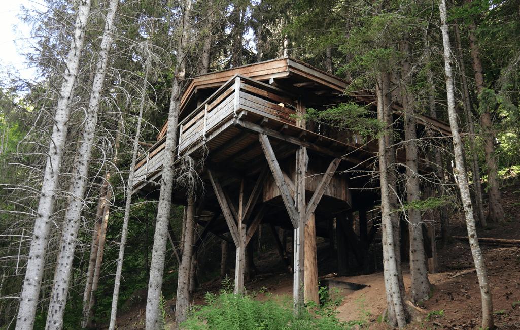 Cabane entre ciel et terre en Savoie.