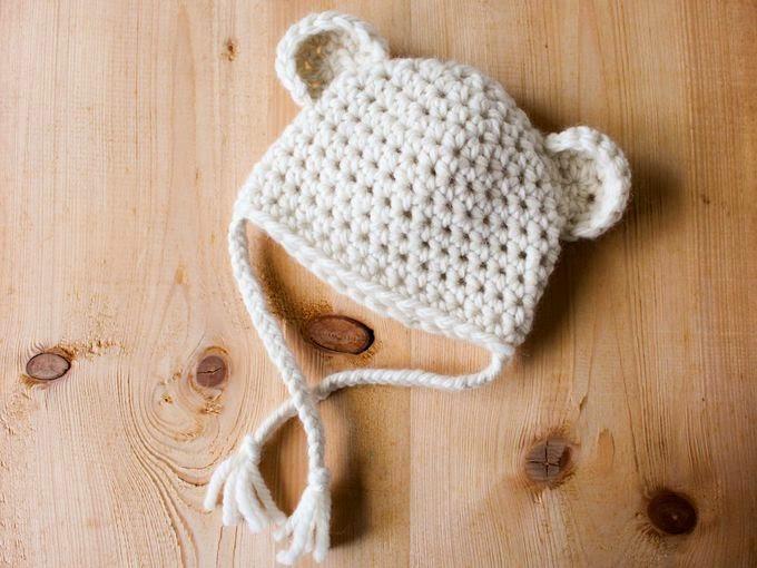 aa059bb7e96 Patron du petit bonnet au crochet « Petit Ourson des neiges »