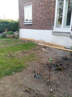 construction terrasse bois sur poutres porteuses et plots béton (7)