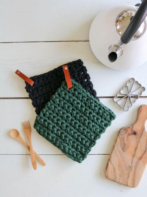 manique dessous de plat pose plat7 crochet coton recyclé lien en cuir (2)