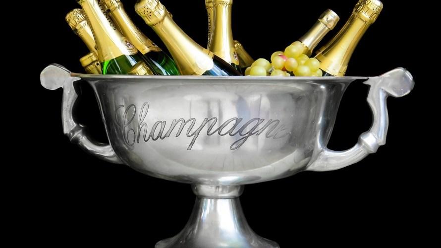 とりあえず「シャンパンで乾杯」はかっこ悪い