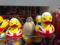 ducks-Globe-T-bonnet-voyageur-travelling-winter-hat