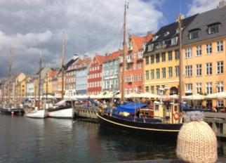 globe-t-bonnet-voyageur-traveling-winter-hat-copenhagen-nyhavn-couleurs-2A