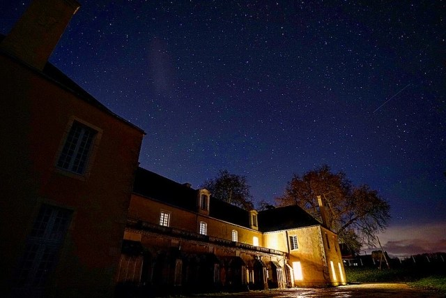 Nuit pleine d'étoiles à Bonnevaux