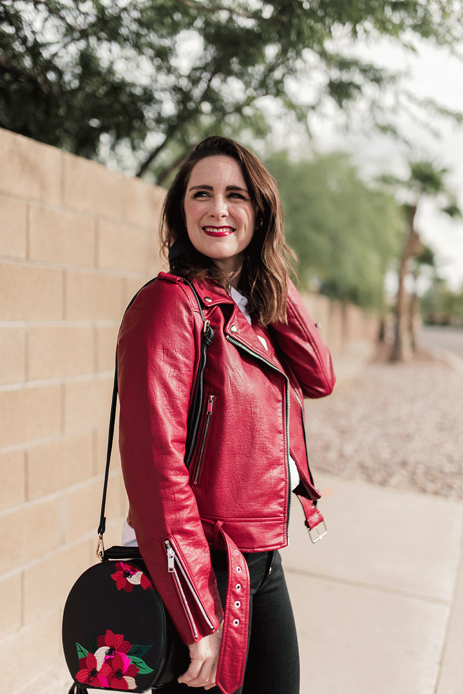 Ever stumped on what to choose for a casual get together with friends? This tough-girl look is the perfect party outfit inspiration. Womens fashion doesn't have to be hard - a leather jacket, jeans and heels do the trick!