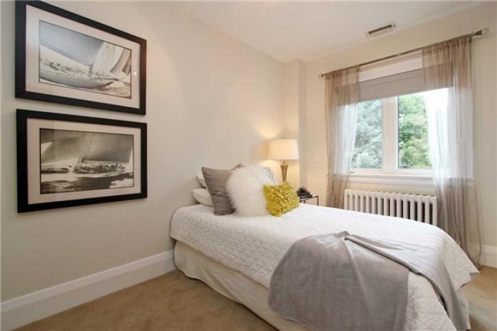 46 Parkhurst Boulevard, toronto, Toronto, 4 Bedrooms Bedrooms, ,2 BathroomsBathrooms,Detached,Sold,Parkhurst Boulevard,1015