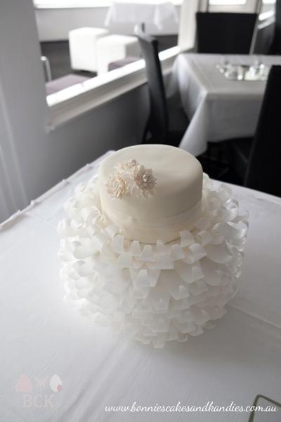 Romantic White Wedding Cake Mooloolaba Bonnie S Cakes