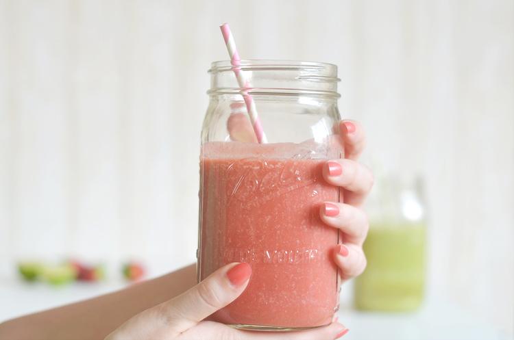 kokos-erdbeer-smoothie-rezept