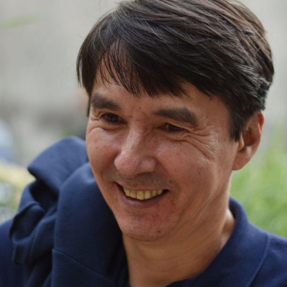 Portrait : Éric Tabuchi