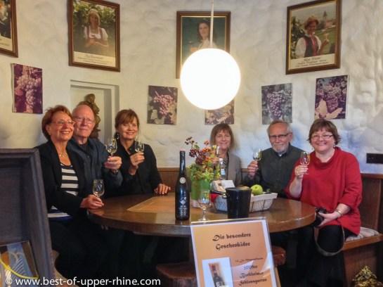 Avec un petit groupe d'amateurs de vins à la coopérative de Burkheim.