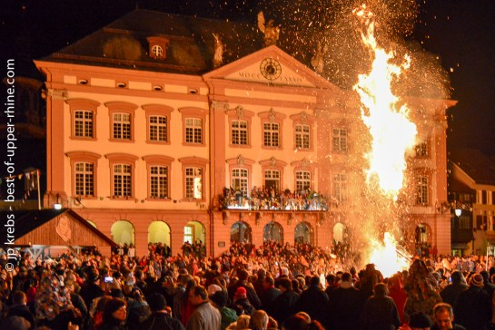 Gengenbach, la crémation des balais des sorcières marque la fin du carnaval