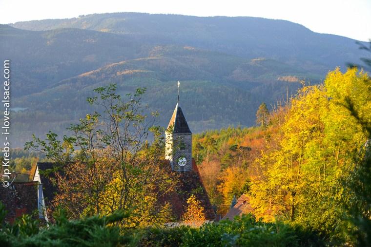La petite église de montagne du village de La Vancelle