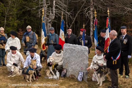Au Breitfirst : Inauguration de la stèle en hommage aux Poilus d'Alaska. Photo souvenir.