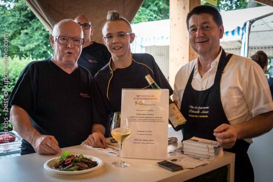 L'équipe du restaurant l'Arbalète avec Pierre Gassmann.