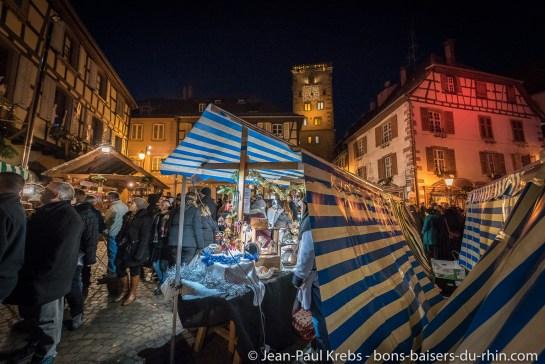 Le marché de Noël de Ribeauvillé la nuit.