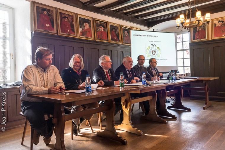 Conférence de presse à la confrérie St Stephen d'Alsace.
