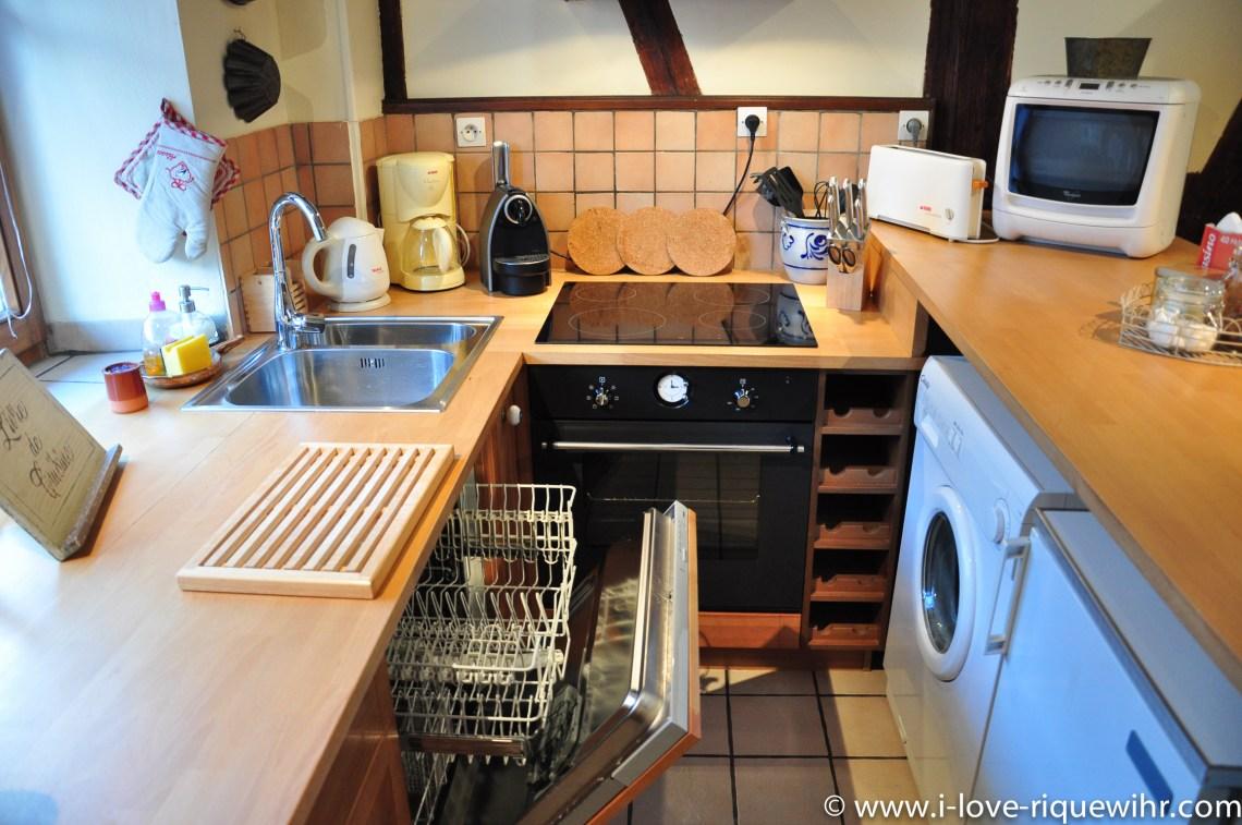 Le Riesling à riquewihr - appartement 5 étoiles vue sur la cuisine