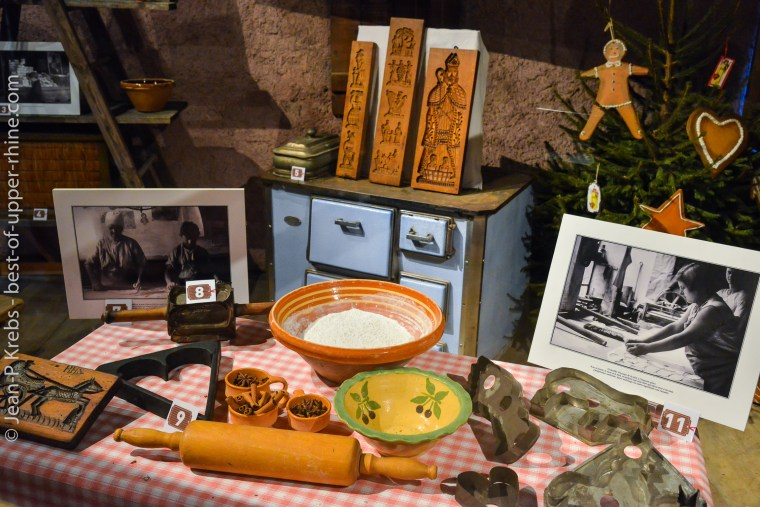 Ecomusee d'Alsace préparation des bredele de Noël