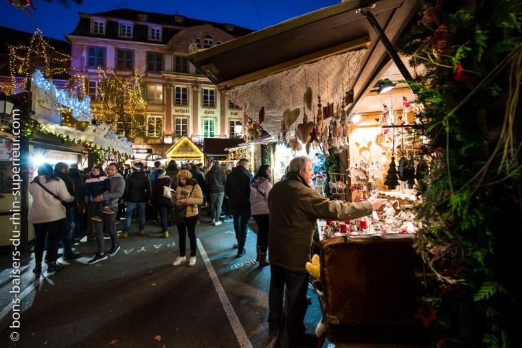 Colmar marché de Noël place Jeanne d'Arc.