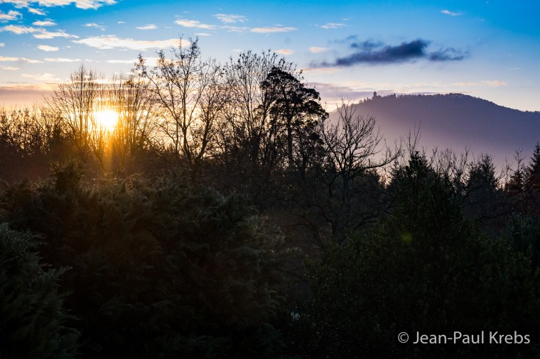Lever de soleil hivernal sur le château du Haut-Koenigsbourg