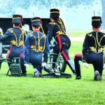 gun-salute-londres-hyde-park
