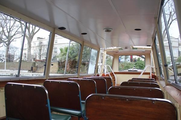 peniche-waterbus-interieur-londres