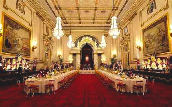 Buckingham-Palace-Ballroom