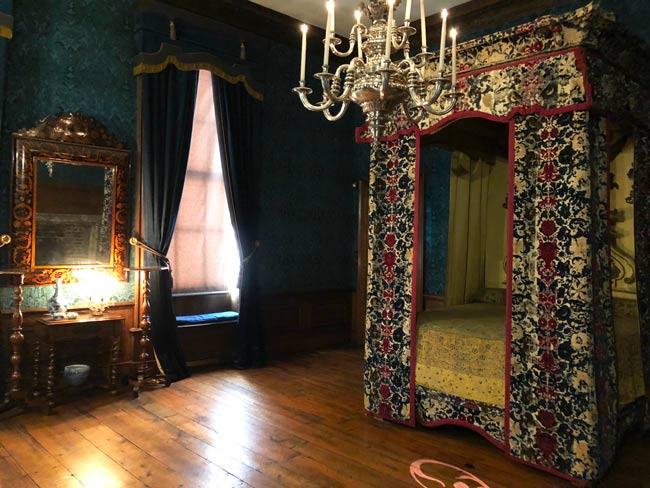 Kensington-palace-chambre-reine