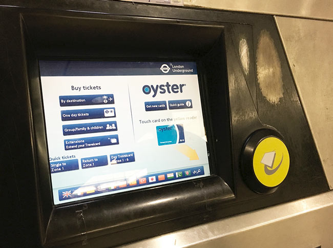 Visitor-oyster-card-lecteur