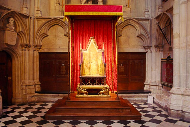 westminster-chaise-couronnement