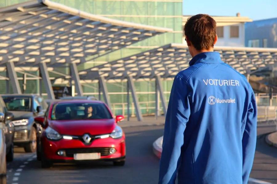Blue-valet-concierge-parking