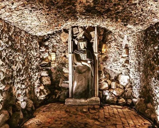 popes-grotto-twickenham