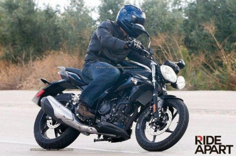 Triump-New-250cc-Bike-Spy-Pic-1-600x398