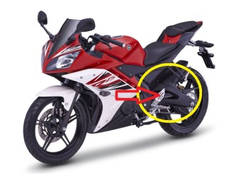 yzf-r15_red Swing arm