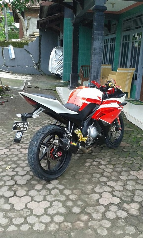 Modifikasi V-ixion ala R 125-2