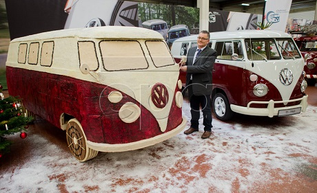VW mini bus made of gingerbread