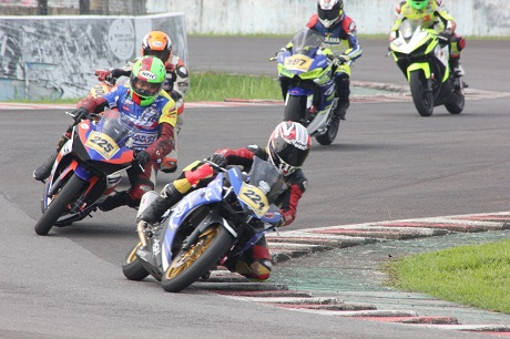 Kemeriahan Seri 2 Yamaha Sunday Race R Cup Series di Sentul International Circuit