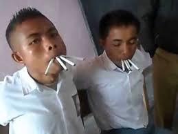 pelajar merokok