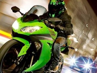Kawasaki-Ninja-300-specifications-and-photographs