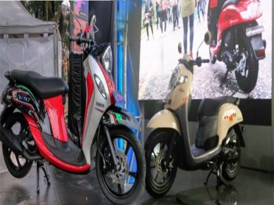 New Fino 125 Blue Core Vs All New Honda Scoopy