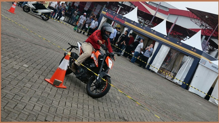 Test ride KTM Indonesia Di IIMS-2018