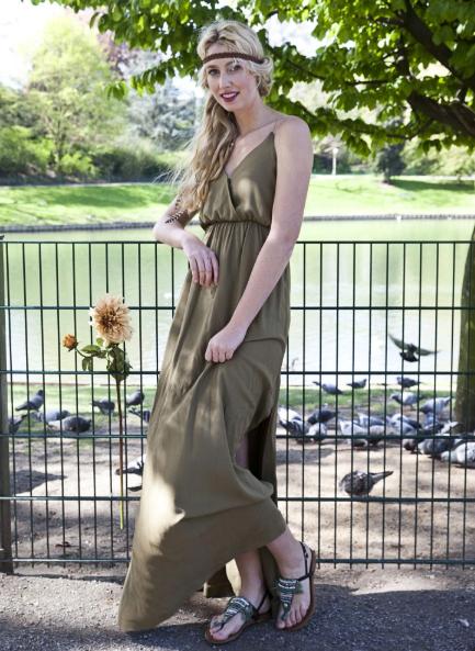 Read more about the article Patron gratuit : la robe Camilla